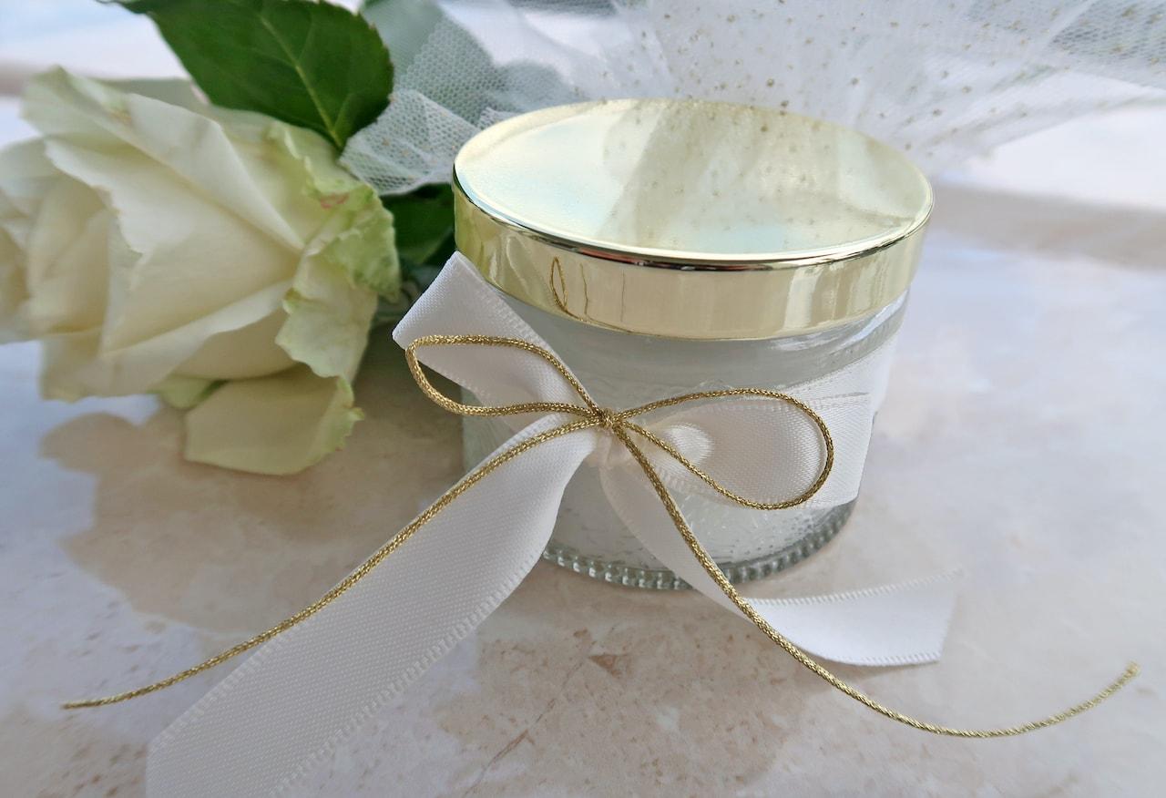 Μπομπονιέρα Γάμου σε ποτήρι κερί με χρυσό καπάκι