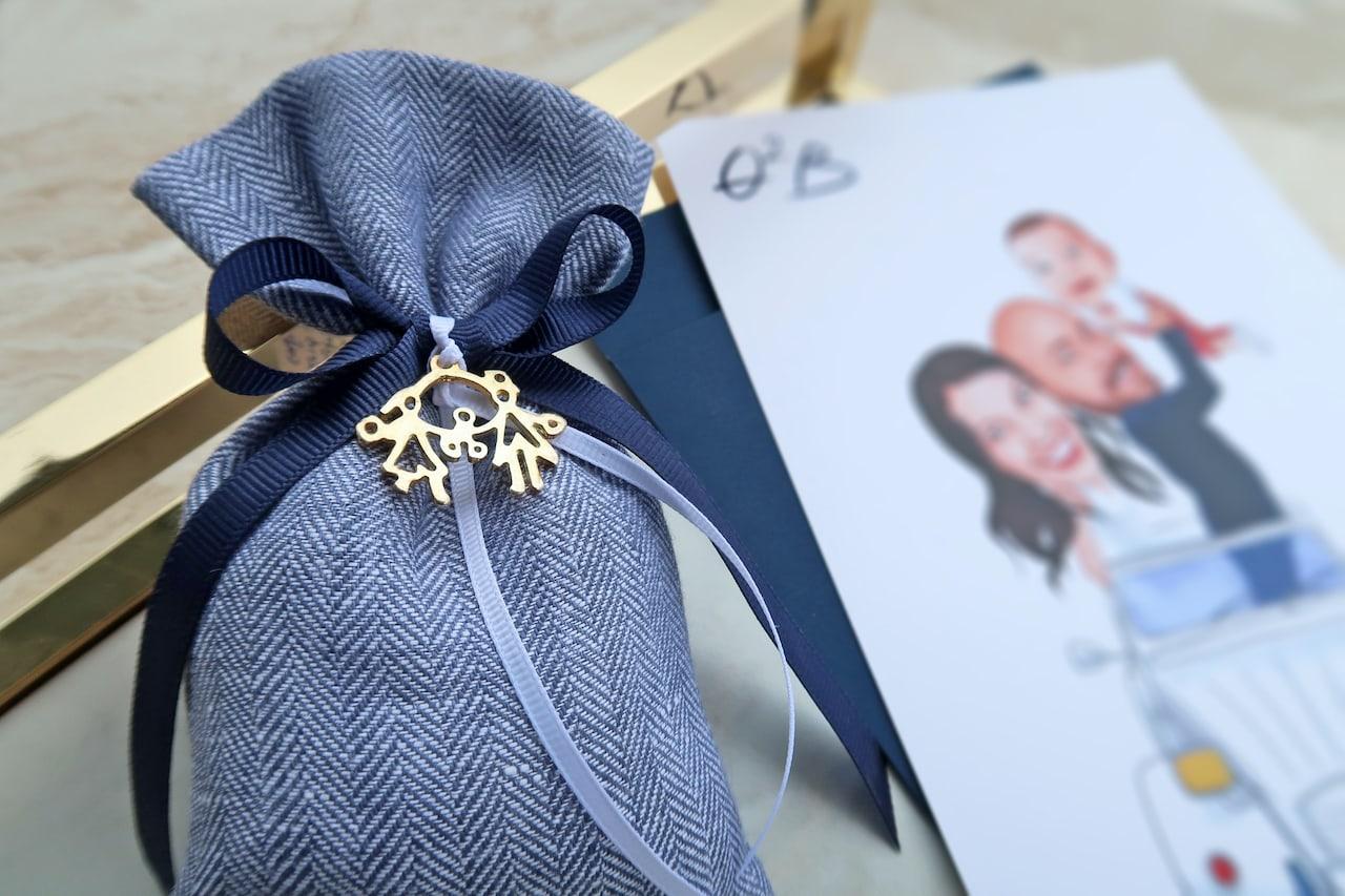 Μπομπονιέρα Πουγκί Γάμου&Βάπτισης μαζί με αντικείμενο οικογένεια